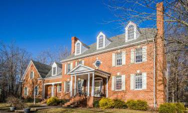 217 LAKE SHORE DR, Fredericksburg, Virginia